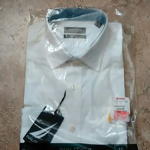 New in packge Mens Nautica White Long Sleeve Shirt
